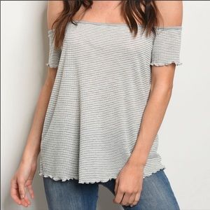 Tops - NEW🌸 Gray and White Off Shoulder Top